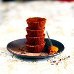 Fudge végétal au beurre de cacahuète, cardamome et cacao