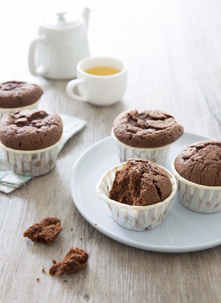 Muffins ultra moelleux au chocolat noir – sans gluten sans lactose