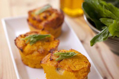 Flans de polenta aux carottes et roquefort