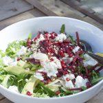 Salade de betterave, roquette et chèvre frais