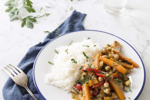 Poêlée de carottes, poivron et pois chiche à l'huile de noix de coco
