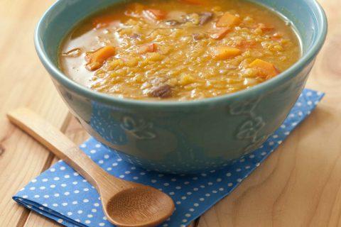 Soupe réconfortante potimarron, lentilles corail, marrons