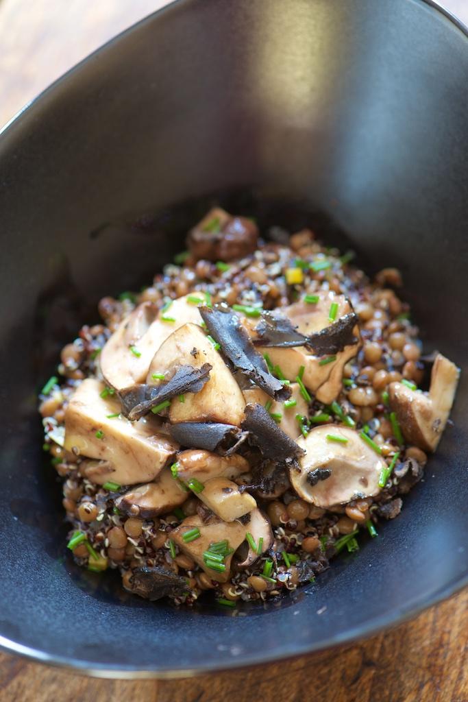 Salade de quinoa et lentilles aux cèpes