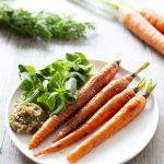 Jeunes carottes sautées au sirop d'érable et sauce soja